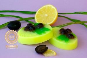 Оливки с лимоном